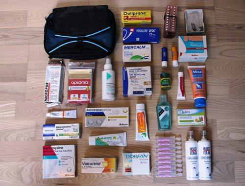 trousse-à-pharmacie-de-voyage